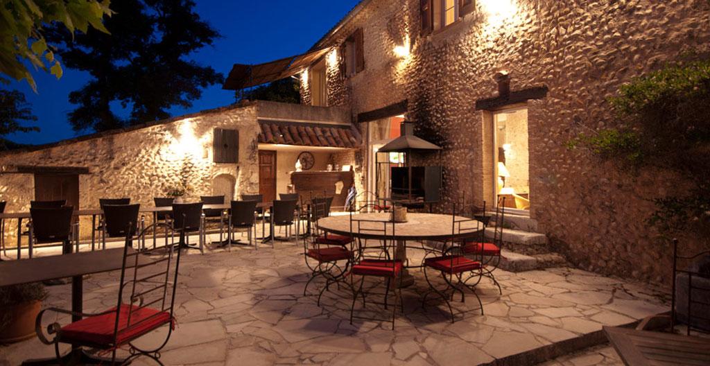 Chambre d 39 hotes avec piscine alpes de haute provence for Camping alpes de hautes provence avec piscine