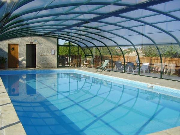 Gite avec piscine couverte chauff e charente domaine de - Gite avec piscine couverte normandie ...