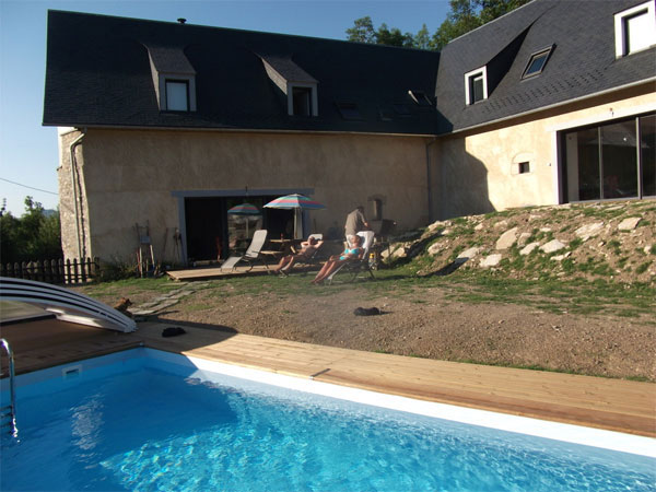 Gite avec piscine d 39 ext rieur chauff e hautes pyr n es for Camping haute pyrenees avec piscine