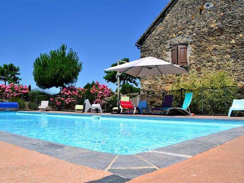 Gite avec piscine chauff e corr ze relais des pays de - Gite de france luberon avec piscine ...