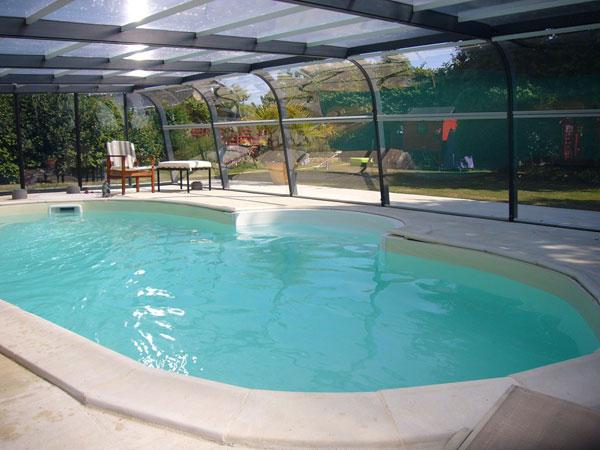 Gite avec piscine couverte loire atlantique la justais for Gite malaucene avec piscine