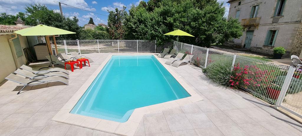 Gite avec piscine chauff e gard la maison carr e for Gites gard avec piscine