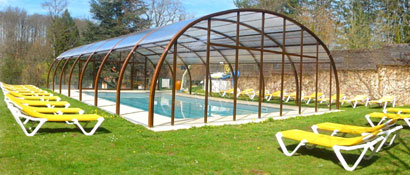 Village vacances avec piscine couverte et chauff e dordogne moulin de la jarousse vacances for Village vacances avec piscine couverte